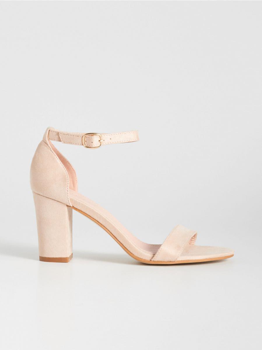 c32b68d4c249 Sandále na vysokom opätku
