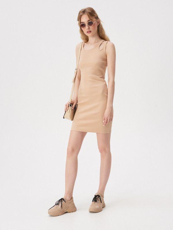 59f06b27ee Sukienka z ozdobnym ramiączkiem · Sukienka z ozdobnym ramiączkiem - kość  słoniowa - VV753-02X - SINSAY