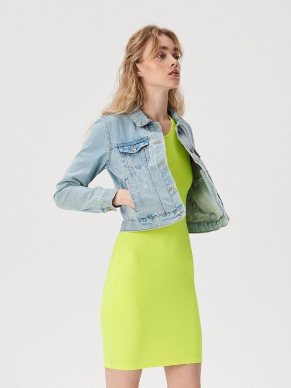 aaefba7cd8 Sukienka z ozdobnym ramiączkiem · Sukienka z ozdobnym ramiączkiem - zielony  - VV753-71F - SINSAY