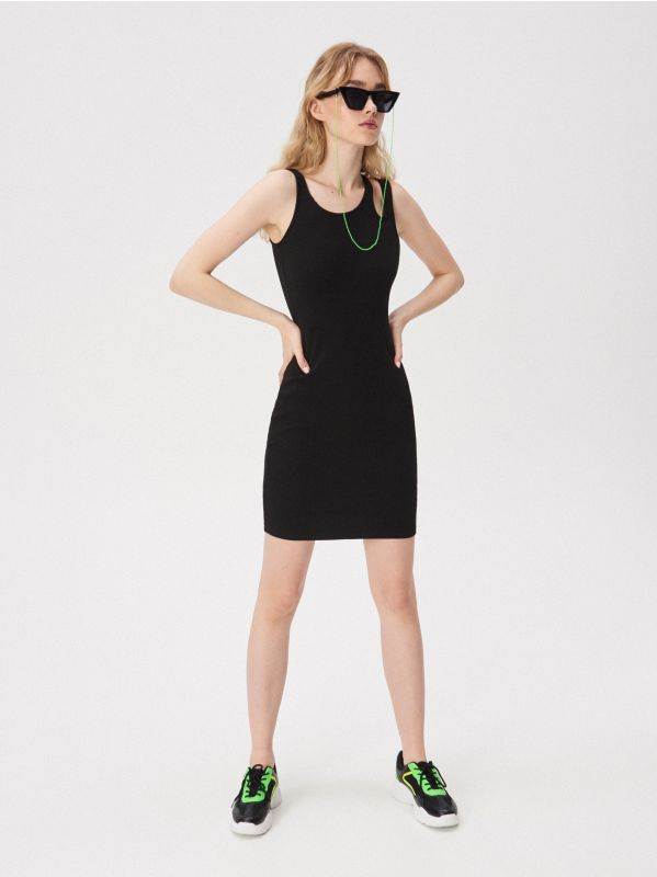 bb3b805e05 Wzorzysta sukienka cold arms · Sukienka z ozdobnym ramiączkiem - czarny -  VV753-99X - SINSAY