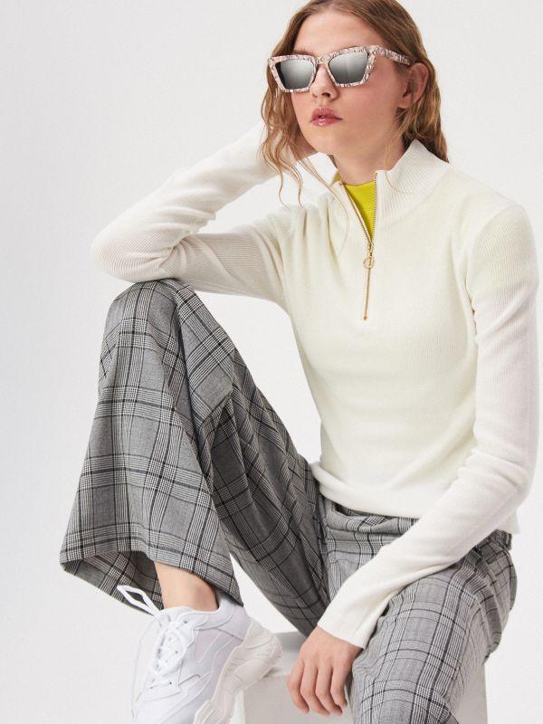 d208c21ebe Sinsay pulóverek – meleg, kényelmes, praktikus női darabok.